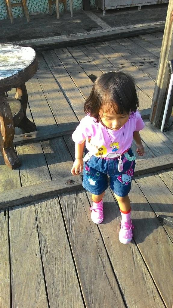 Hai, ini Zahira, keponakan saya